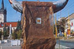 """""""Chusta Św. Weroniki"""" (Veil of Veronica), 500 x 500 x 200 cm, 1992 r."""