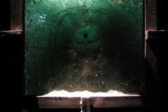 """,,Ikona"""", ołów, szkło, wstrzelony nabój, wys. 180cm, szer. 40cm, 2008r."""