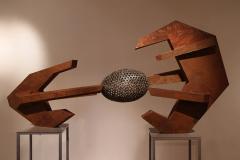 """Lorica hamata"", stal, 100 x 180 x 60 cm, 2012r."