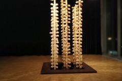 """""""Dyfuzory"""", pianka elastyczna, metal, woda, 300x150x150 cm, 2018r."""